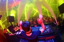8.29- Thomas Gold at Light 2