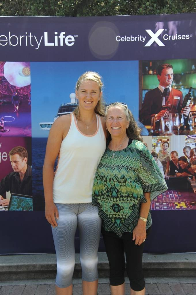 Victoria Azarenka with a fan