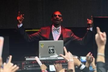Snoop Dogg Performs DJ Snoopadelic Set at TAO