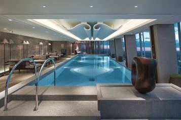 wpid-Skypool-at-Gong-Shangri-La-Hotel-At-The-Shard-London-HIGH-RES.jpg