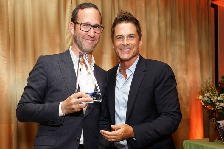 Richard Weitz and Rob Lowe pose with the Legacy Award