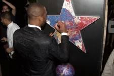 Wade Signing Art