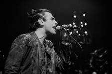 Nick Simmons performs a killer set at The Sayers Club inside SLS Las Vegas. Photos: Al  Powers Imagery