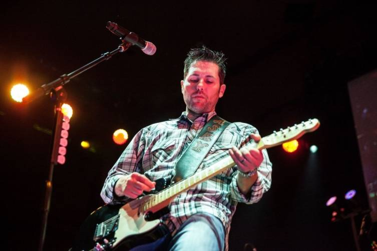 Casey Donahew performs at Rodeo Vegas at the Mirage. Photo: Joe Torrance/Powers Imagery