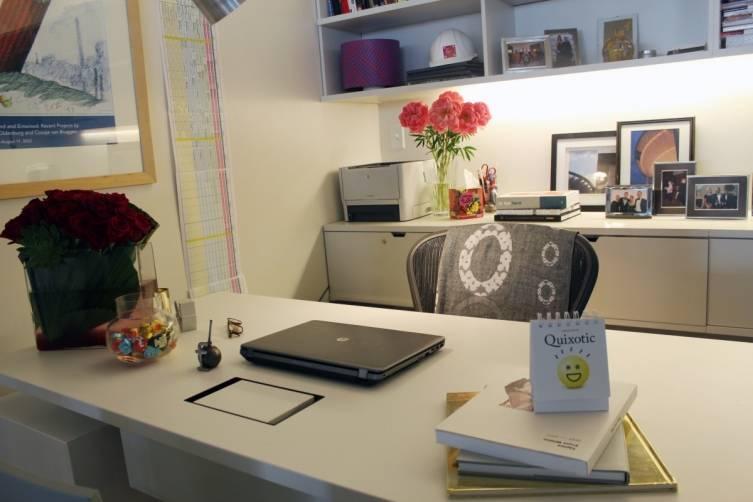 Leann-Standish-Desk