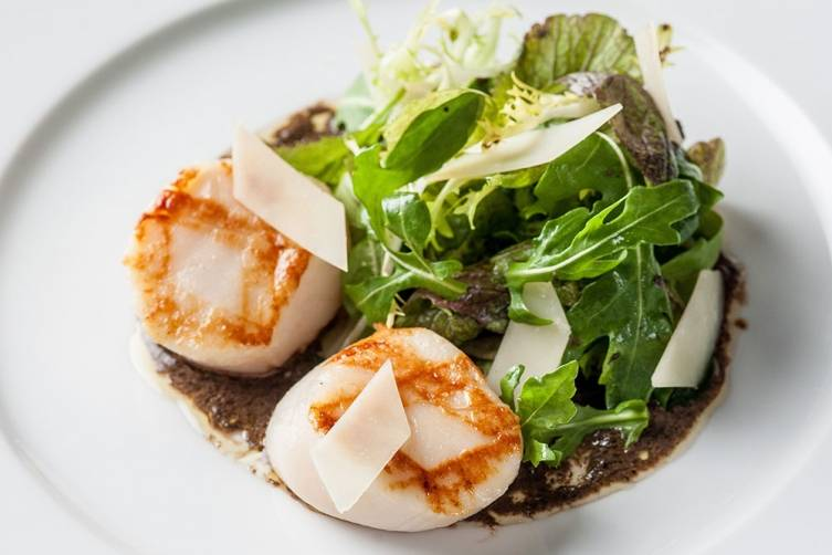 The Grill at The Dorchester: Grilled, hand-dived scallops and autumn salad