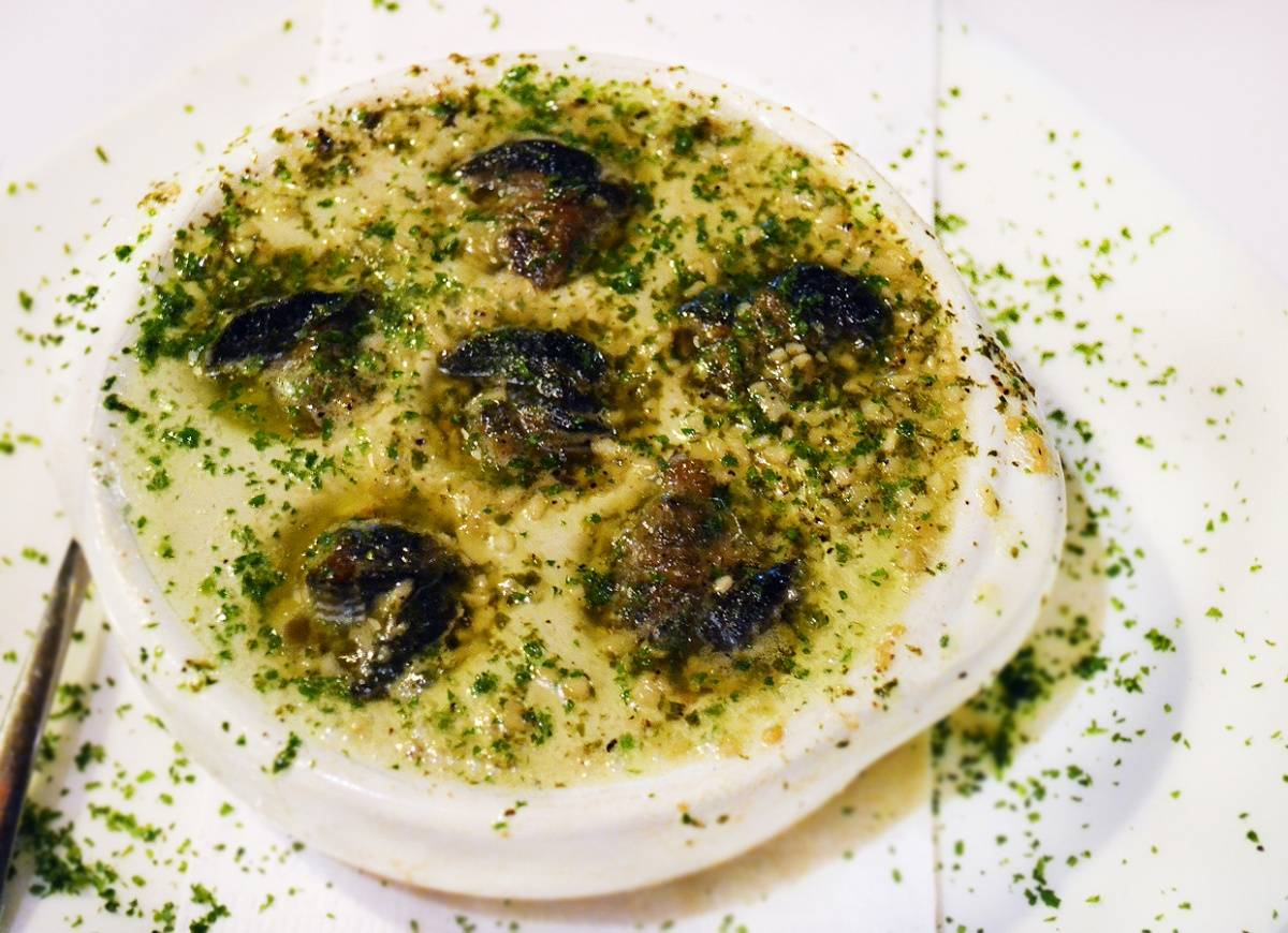 Garlic Escargots at Cafe St-Malo - K. Tablang
