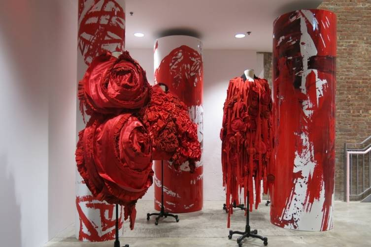 Ground FL Comme des Garcons Blood and Roses Installation