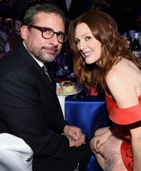 Steve Carrell and Julianne Moore