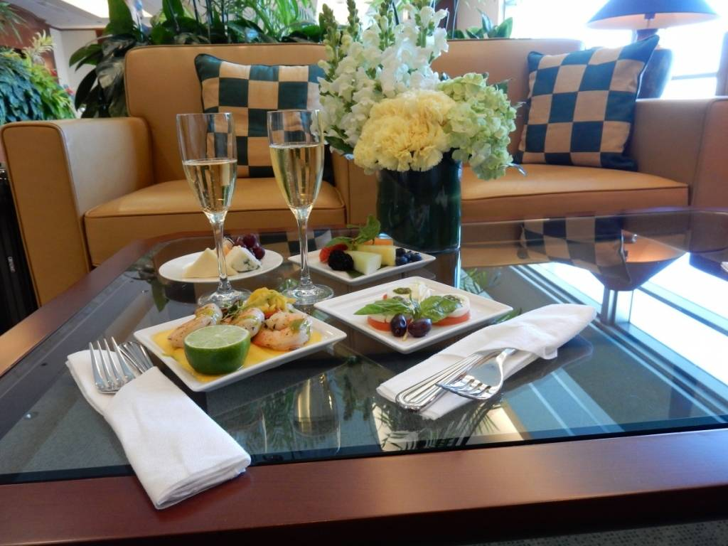 Emirates Lounge San Francisco International Airport